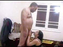 الرجل سكسي امهات مترجم الملاعين فتاة في الحمام