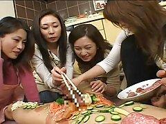 المداعبات نفسها سكسي ياباني امهات على الدرج
